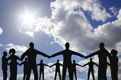 Circle of people in sunshine   resized